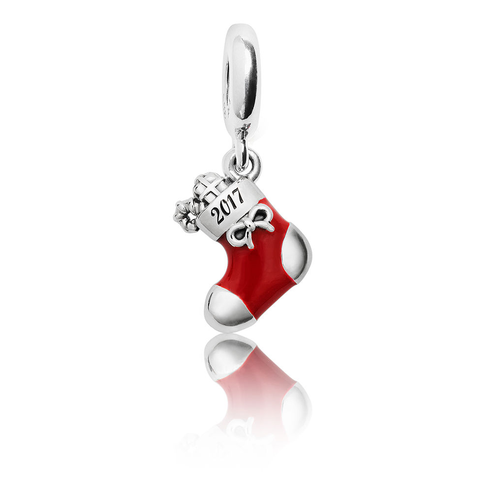 Pandora Christmas Gift Set: Wrap It Up! Pandora Gift Sets Bring The Sparkle This